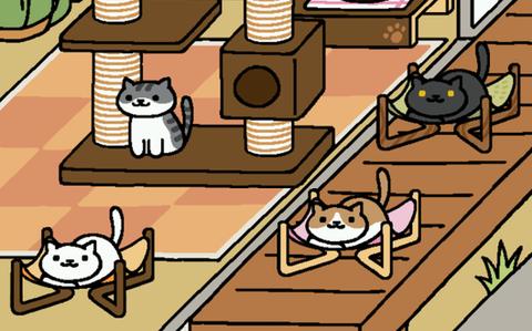 ハンモックでくつろぐ猫達