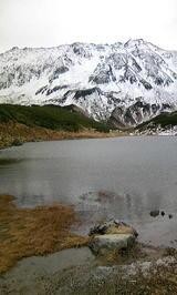 みどりが池と立山(くもり)