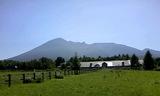 八幡平温泉郷から岩手山1