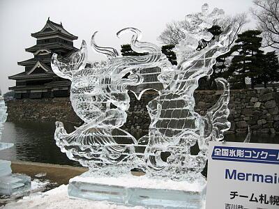 氷の彫刻2
