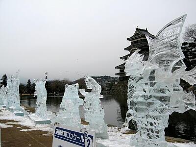氷の彫刻たち