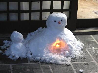 雪ボラだるま