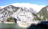 ダム下から立山