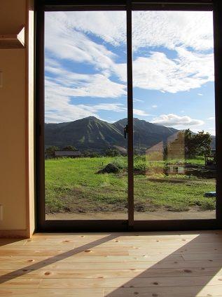 20110836サロン大窓