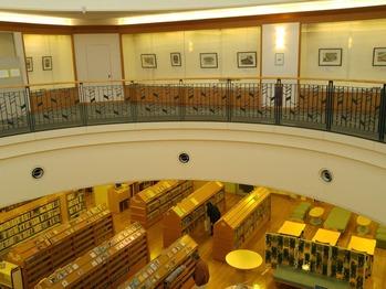 佐賀市立図書館