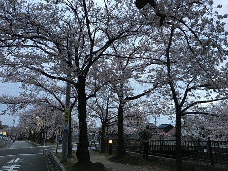2016-04-02-18-05-39