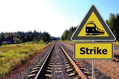 rail-418923_640