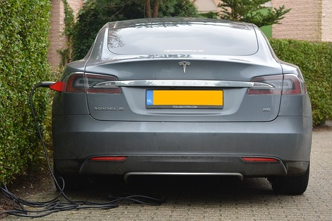 electric-car-513627_640