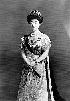 245px-Empress_Sadako-big-1912