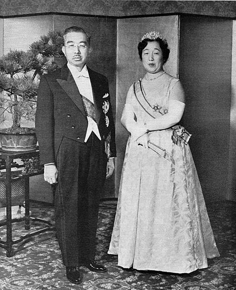 490px-Emperor_Showa_&_Empress_Kojun_1956-11
