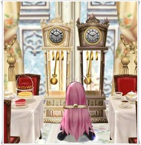 機械仕掛けの柱時計(白、茶)