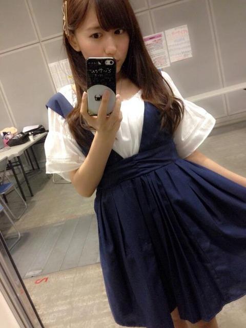 【乃木坂46】SKEの大場美奈、乃木坂の西野七瀬が好きすぎてどいやさん携帯ケースをゲットwww