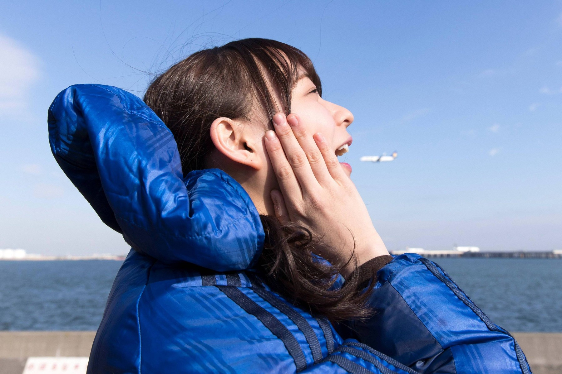 【エンタメ画像】【乃木坂46】鈴木絢音『1月21日放送、車あるんですけど。?』飛行機を食べる絢音ちゃんがかわいいwww