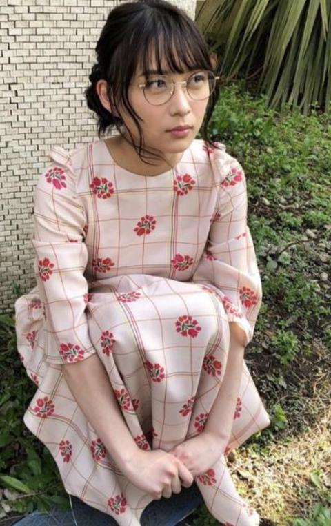 【乃木坂46】丸メガネの絢音ちゃんが究極に可愛すぎる・・・