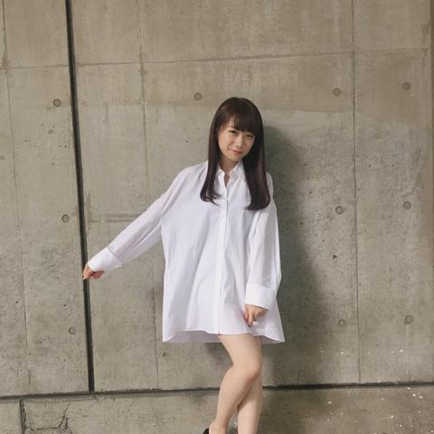 【乃木坂46】この破壊力www!秋元真夏 ブログで『彼シャツ風』衣装公開!