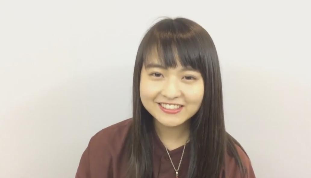 笑顔の伊藤万理華