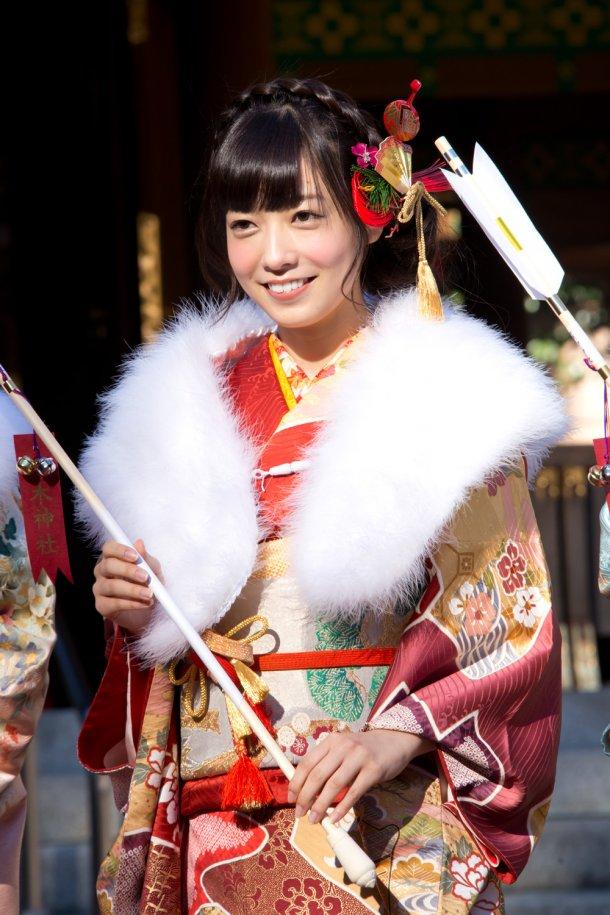 乃木坂46】新成人メンが乃木神社で振り袖姿の成人式【画像あり】