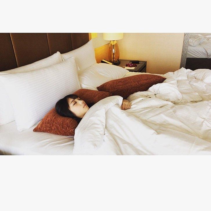 【エンタメ画像】【乃木坂46】お昼寝かわいすぎやろ。。。与田祐希『1st写真集』オフショットを公開!