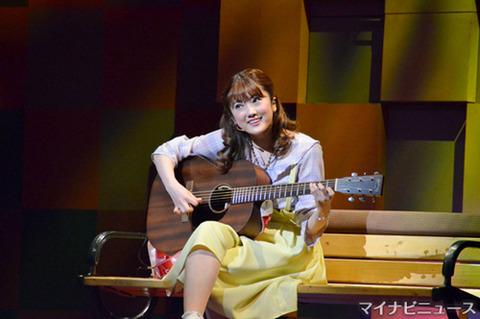 【乃木坂46】樋口日奈 ミュージカル『恋する♡ヴァンパイア』ゲネプロの様子が公開!ギター弾き語りも行う模様!