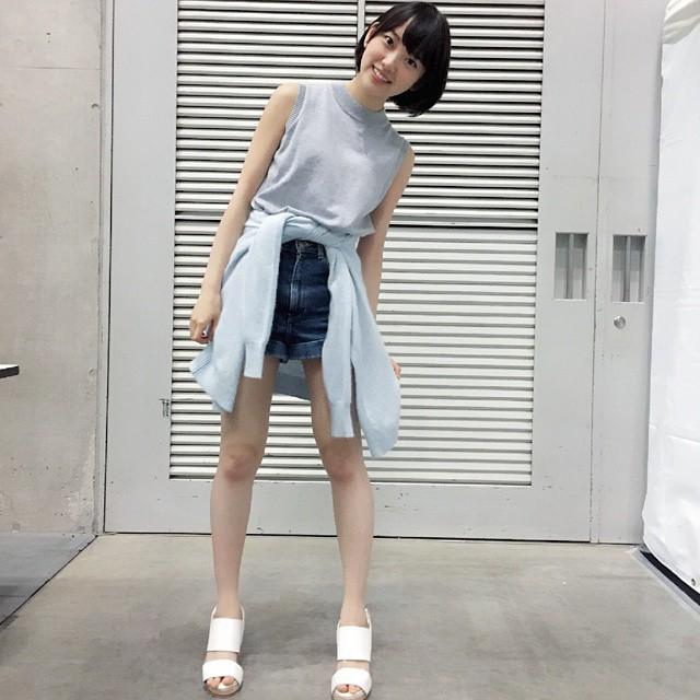 【エンタメ画像】《乃木坂46》堀未央奈はなぜ傾いているのか?こういうポーズ多いイメージ。