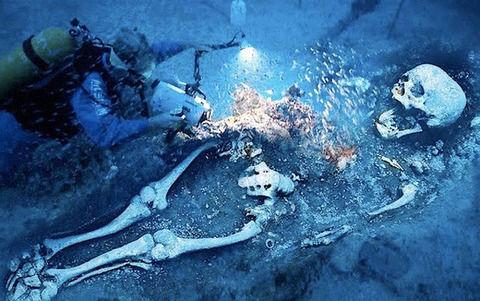 【地球】ここで巨人族ネフィリムの画像をご覧下さい