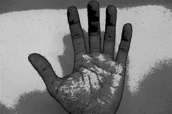 無意識に手のひらを覗き込む行為が増えると・・・