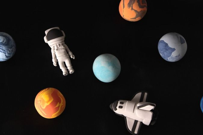 宇宙の惑星ってなんで回転してるの?