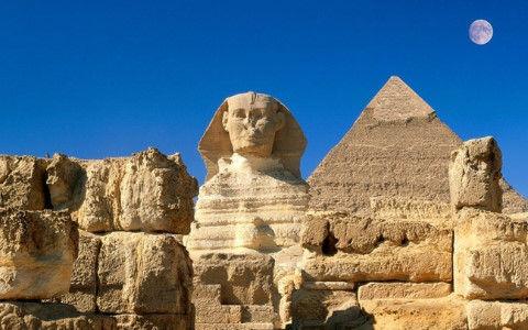 エジプトで謎の巨大石棺を発見『開けられた形跡なし』