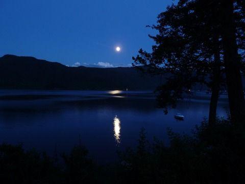 【オカルト】夜の湖は怖い