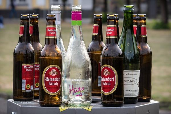 bottles-3664377_1280