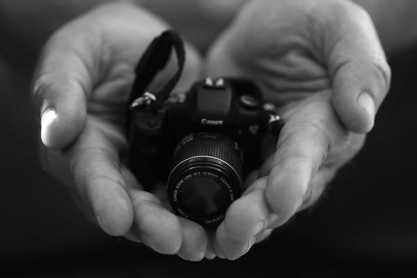 camera-2289494_1280