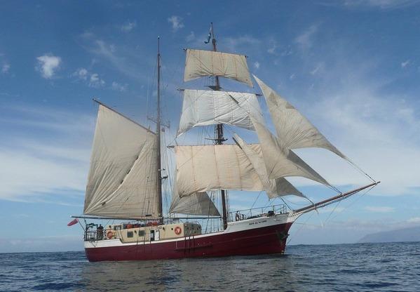 ship-2523650_1280