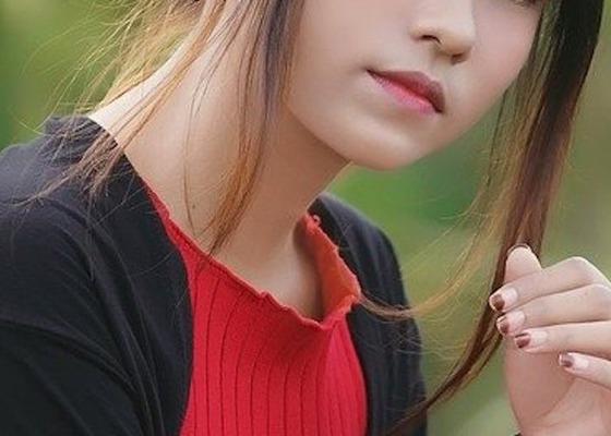 woman-3027229_1280