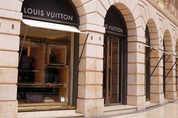 luxury-1487548_1280