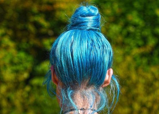 blue-hair-3503011_1280