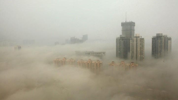 【画像】中国に「とんでもない色」の雪?が降る!!!