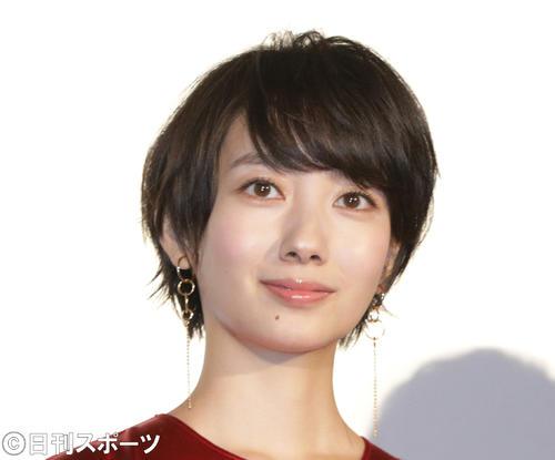 壇 蜜 髪型 ショート