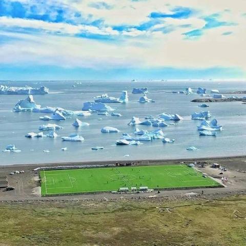 流氷の来るサッカー場