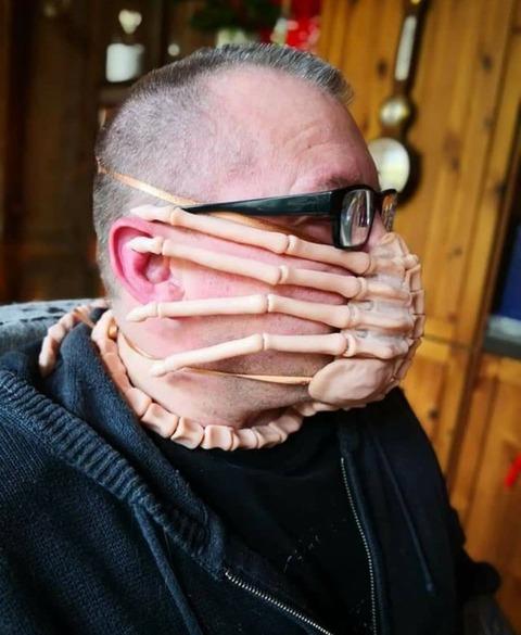 マスクというよりフェイスハガー