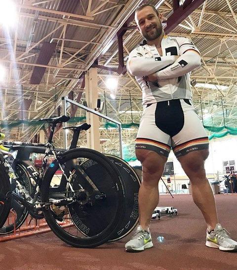 自転車選手の足がヤバい