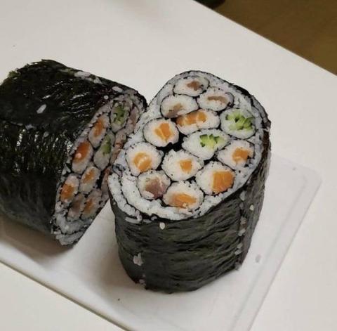 アイデア。巻き寿司を巻いた巻き寿司
