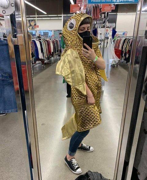 魚の着ぐるみ的なコスプレ的なドレス