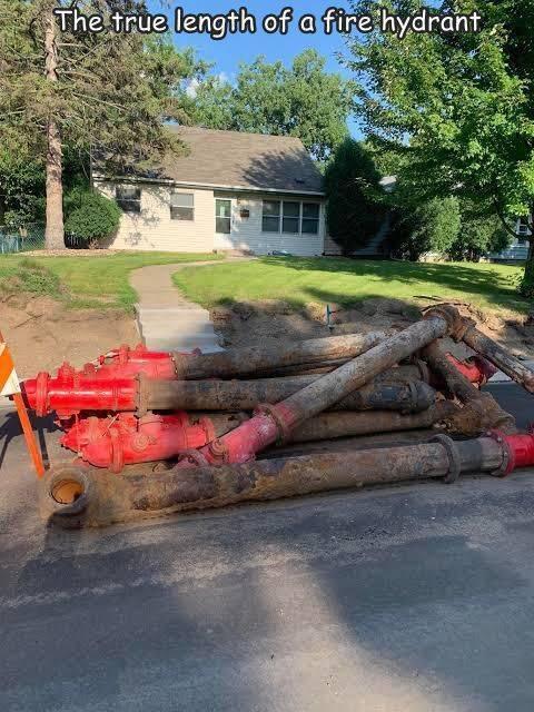消火栓の地中に埋まっている部分が意外と長いw