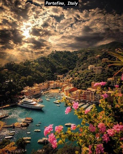 とあるイタリアの港の風景