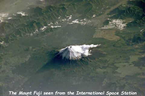 国際宇宙ステーションから撮影された富士山