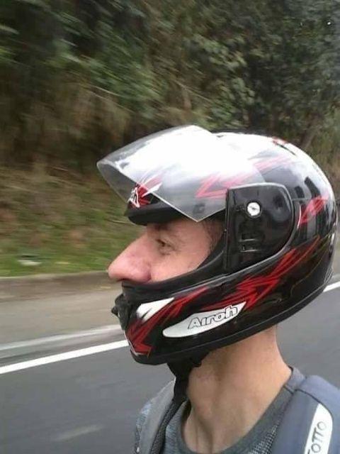 鼻がデカい人のフルフェイスのヘルメット