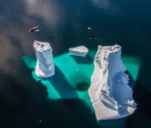 海の怖さと氷の穴