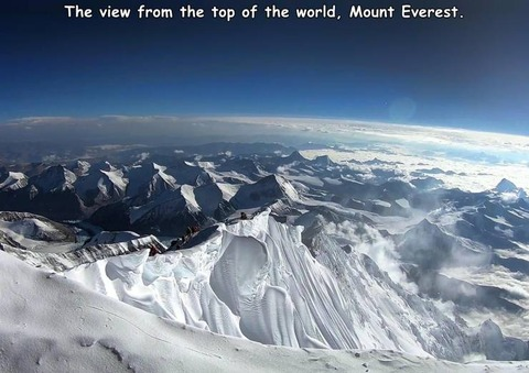 エベレストの頂上から見た風景