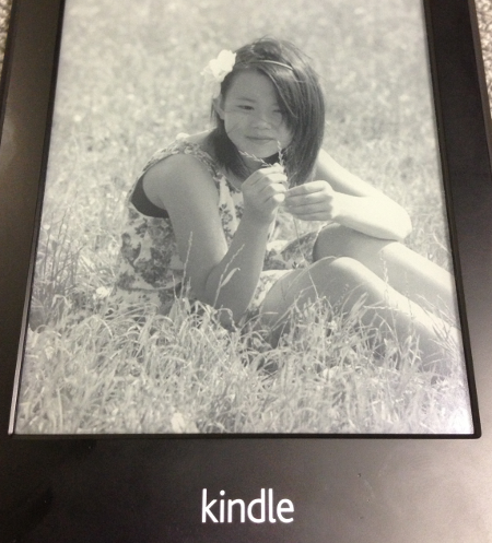kindle display downloaed photo