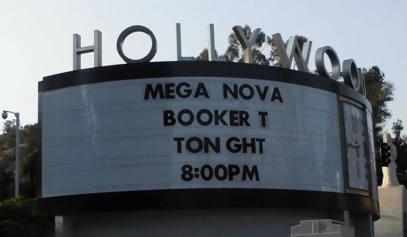 HollywoodBowlSign